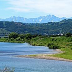 自然に囲まれた雄大な地形 壮大な千曲川・浅間山と
